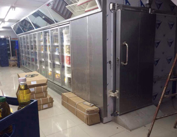 Use of Ice Maker in Hotel Kitchen
